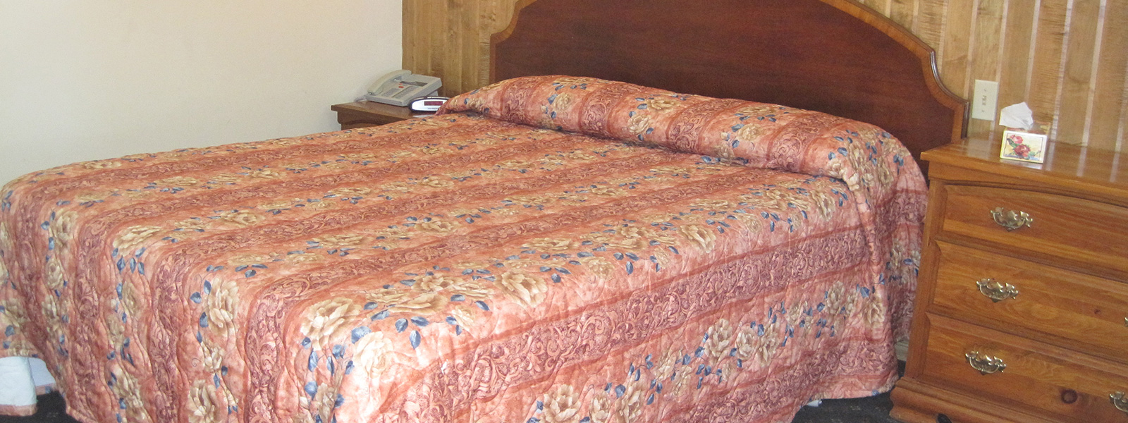 banner-one-queen-beds